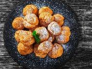 Рецепта Домашни еклери с кокосов крем от прясно и кокосово мляко, сметана, желатин и ванилия